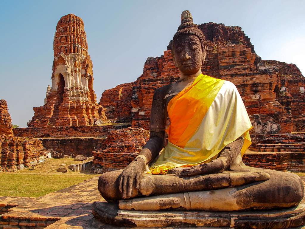 Ayutthaya Temples and River Cruise Day Trip